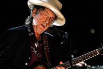 Bob Dylan, sonunda Nobel'i kabul etti