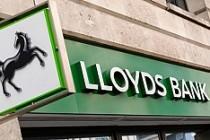 Lloyds Bank da eleman çıkaracak