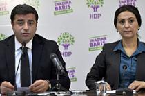 HDP eş genel başkanları Demirtaş ve Yüksekdağ tutuklandı