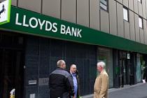 İngiliz bankası 49 şubeyi kapatıyor, 520 kişi işsiz kalacak