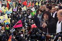 PKK sempatizanları Londra'da 2 Türk vatandaşını darp etti