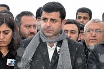 Selahattin Demirtaş Diyarbakır'da gözaltına alındı
