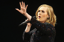 Ünlü şarkıcı Adele gizlice evlendi