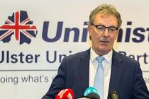 Kuzey İrlanda seçimi istifa getirdi