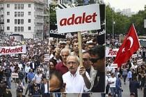 CHP, Ankara'dan İstanbul'a 'Adalet Yürüyüşü' Başlattı