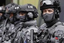 Londra polisinden 'terör' baskınları