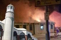 Manchester'de şüpheli cami saldırısı