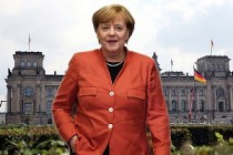 Almanya'da seçim galibi Merkel koalisyona mahkum