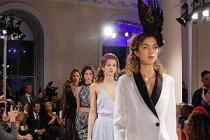 Zeynep Kartal'ın 2018 Koleksiyonu Londra Moda Haftası'nda