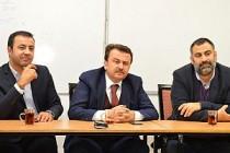 Kahramanmaraş Belediye Başkanı Erkoç Londra Cemevi'nde