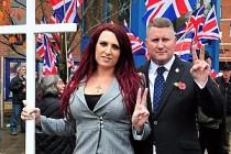 İngiltere'deki İslam karşıtı grubun yöneticilerine hapis cezası