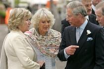 İngiltere Prens Charles'ın eşi Camilla Parker'ın anlattıklarıyla çalkalanıyor