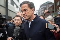 Hollanda'da Türk politikacılara 'resmi yasak' çağrısı