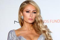 Mustafa Sandal, sahnede Paris Hilton'a eşlik edecek