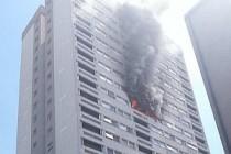 Londra'da yangın: 58 itfaiyeci birden müdahale ediyor