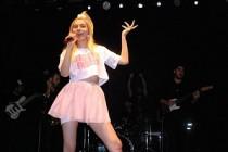 Aleyna Tilki, son konserinde tepinerek dans etti