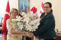 Limasollular Derneği'nden Büyükelçi Oya Tuncalı'ya 'Hoşgeldiniz' ziyareti