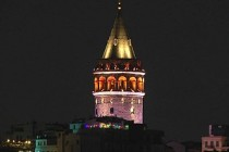 Galata Kulesi turuncuya büründü