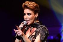 Gülben Yeni Şarkılarını Kıbrısta Seslendirdi