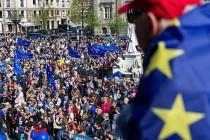 40 eski İngiliz büyükelçiden Başbakan May'e çağrı
