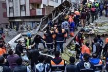 Kartal'da 8 katlı bina çöktü: 'Binada 43 kişi kayıtlıydı'