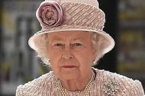 Kraliçe Elizabeth'in Elindeki Morluk, İngilizleri Ayağa Kaldırdı!