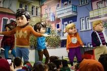 Hollanda'da Rafadan Tayfa kahramanları Türk çocuklarla buluştu