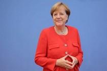 Angela Merkel'den titremesiyle ilgili kaygılara 'İyiyim' yanıtı