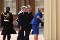 İngiltere Başbakanı May Kraliçe'ye istifasını sundu