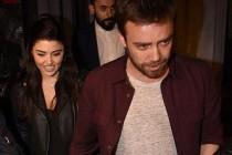 Sevgilisi Hande Erçel ile fotoğrafını paylaşan Murat Dalkılıç, aşka geldi