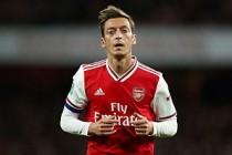 Mesut Özil'in hocası noktayı koydu!