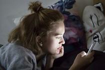 Sosyal medya bağımlılığı uyku hastalıkları riskini artırıyor