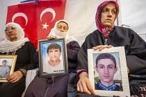 Diyarbakır anneleri uluslararası camiaya seslendi