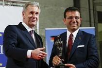 Ekrem İmamoğlu'na, Almanya'da Kybele Dostluk Ödülü