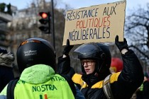 Fransa'da Macron karşıtları sokakta