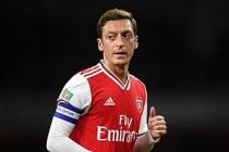 Mesut Özil, PES'in Çin'deki sürümlerinden çıkarılıyor