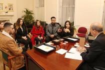 Tatar, Londra'da Gençlerle Biraraya Geldi