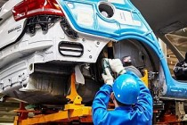 Elektrikli otomobile geçiş Almanya'da 410 bin kişiyi işsiz bırakabilir