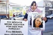 Kızı PKK Tarafından Kaçırılan Anne Almanya'da Eylem Başlattı