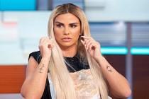 İngiliz şarkıcı Katie Price, karantina sonrası soluğu Türkiye'de aldı