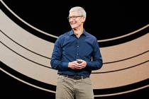 Apple CEO'su Tim Cook da dolar milyarderleri listesinde