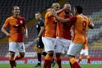 Galatasaray, Azerbaycan'da 3-1 Galip