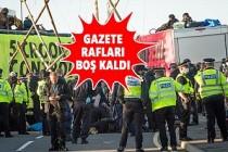 İngiltere'de Çevreci Eylemciler Gazetelerin Dağıtımını Engelledi