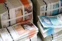 İngiltere hükümeti maaş desteğinde kesintiye gitti
