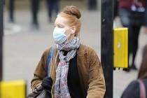 """İngiltere koronavirüs kısıtlamalarında """"trafik ışığı"""" yöntemi"""