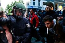Alman Polisinden Dünyaya 'Demokrasi' Dersi(!)