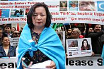 Çin yönetimi Londra'da protesto edildi