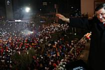 Davutoğlu, 'Balkon Konuşması'nda çarpıcı mesajlar verdi