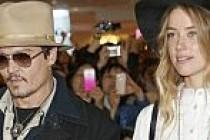 Johnny Depp'in eşinin başı köpeklerle dertte