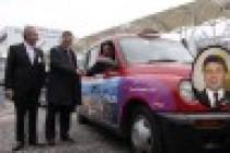KKTC Londra'nın sembol taksilerinde tanıtılıyor